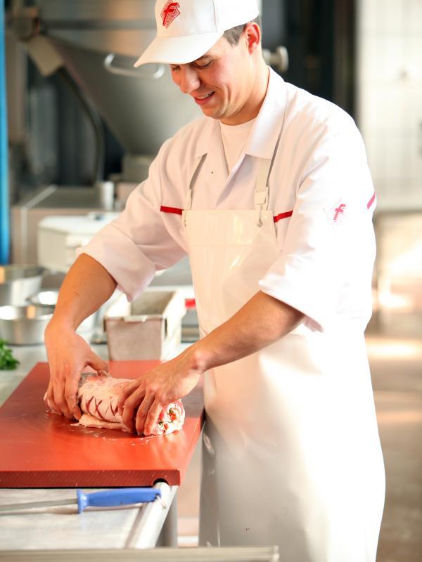 Fleischer bei Herstellung